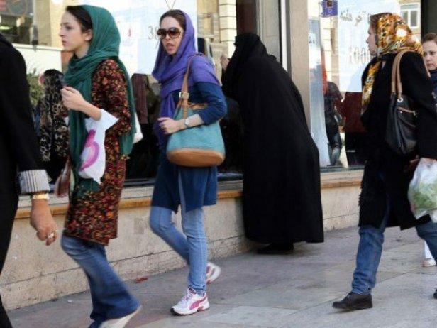 957847-iran_hijab_jeans_women-1442403297-283-640x480