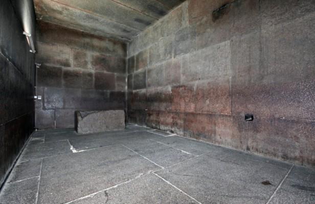 Great Pyramid, Khufu burial chamber