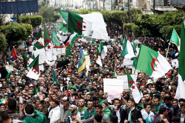 2019-04-19t164544z_1210469978_rc1a4f384850_rtrmadp_3_algeria-protests